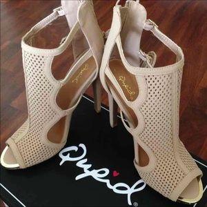 Qupid heels - size: 8.5 - Brand New